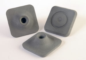 Square pattern. Dim.: ■ 44 mm. Socket: Ø8 mm